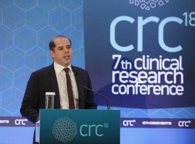 Ομιλία: Σωκράτης Κουλούρης, Ιατρικός Διευθυντής, Roche Hellas - Τίτλος ομιλίας: «Πώς επηρεάζουν οι νέες τεχνολογίες και η συμμετοχή των ασθενών την κλινική έρευνα;»